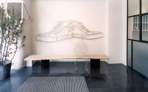 wire drawing of a shoe