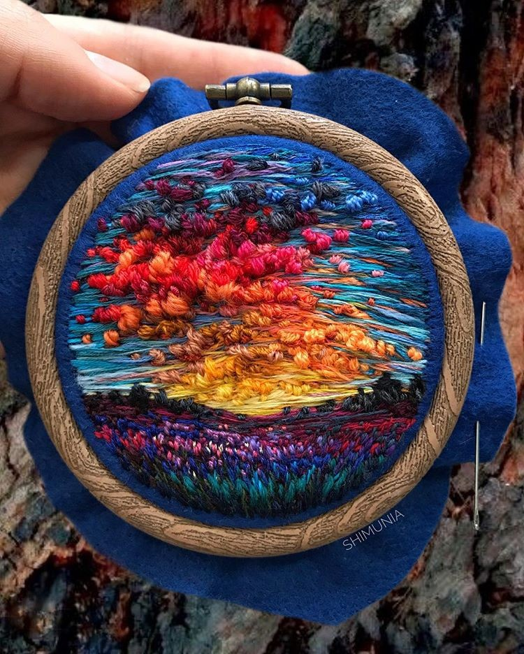 Embroidery So Detailed, You'd Swear They Are Actually Paintings | Doodlers Anonymous